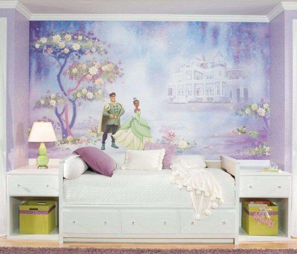 обои с рисунком из мультфильма для детской комнаты