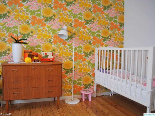 пёстрые обои для детской комнаты