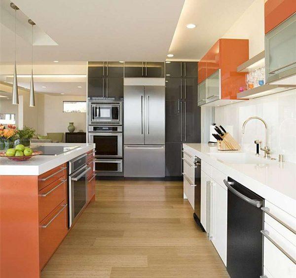 чёрный цвет с оранжевый на кухне