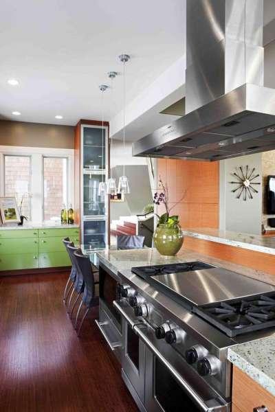 освещение на кухне с оранжевым цветом