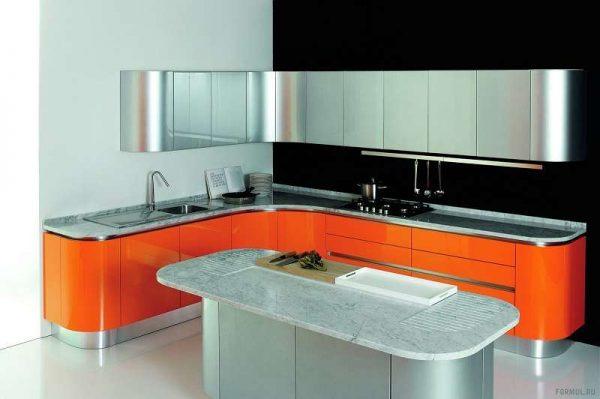 округлый оранжевый гарнитур в интерьере кухни