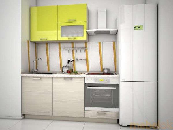 классический кухонный гарнитур с тумбами и шкафчиками простых форм