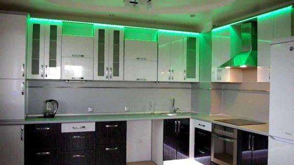 кухня своими руками с подсветкой