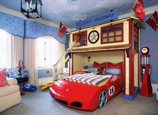 машина кровать в интерьере детской комнаты для мальчика