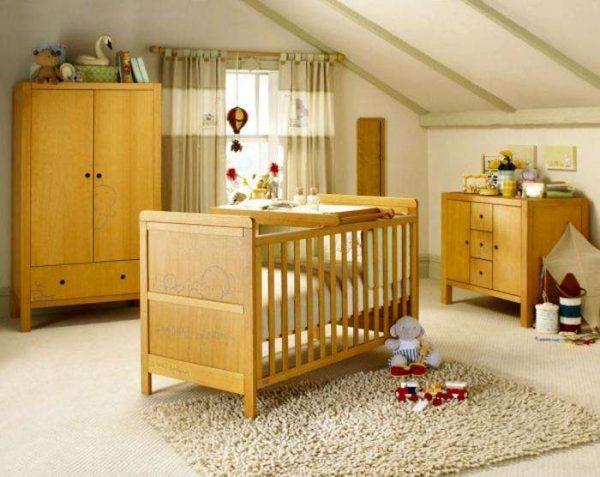 деревянная мебель в интерьере детской комнаты для мальчика
