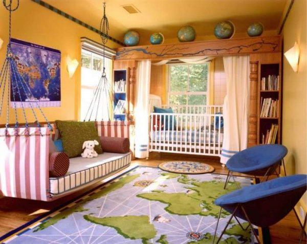 интерьер детской комнаты для мальчика с картой мира
