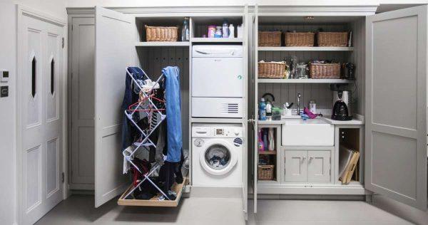 стиральная машина в коридоре