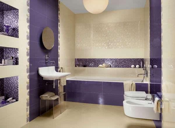 фиолетовый в дизайне ванной в хрущёвке