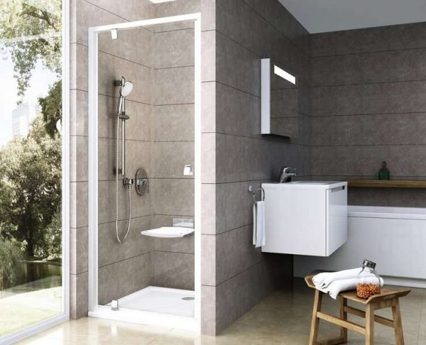двери Pivot в ванной