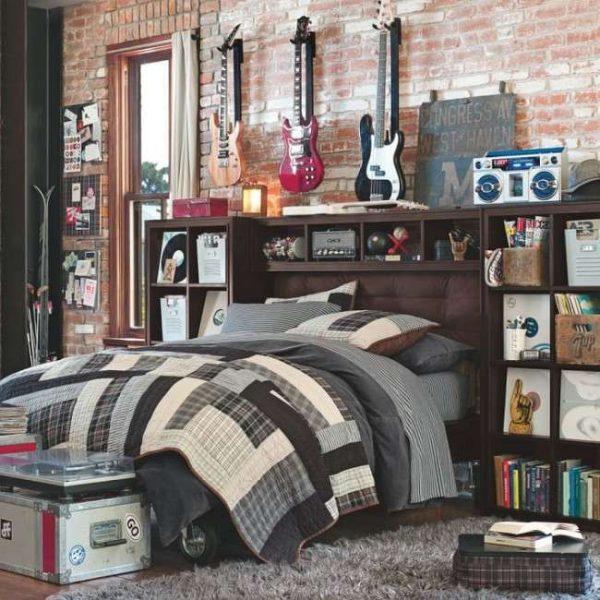 гитары в интерьере комнаты мальчика