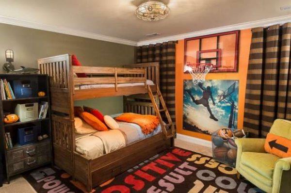 двухярусная кровать в интерьере комнаты мальчика
