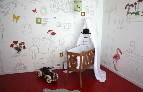 обои раскраски в комнате для девочки