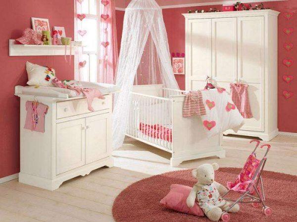 пастельный розовый на стенах в детской комнате