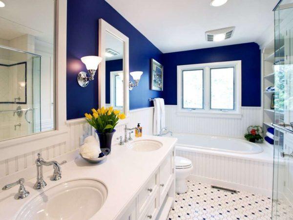 синяя краска на стенах ванной