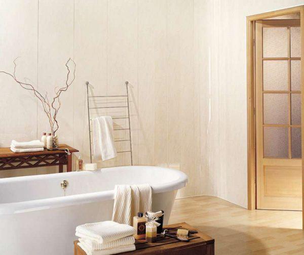 панели пвх бежевые в ванной комнате