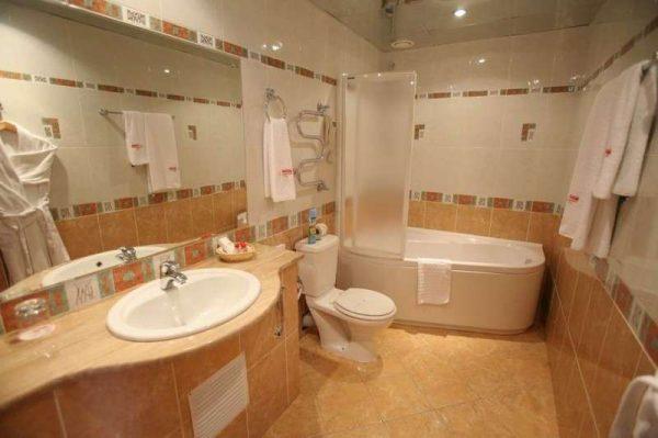 ремонт в ванной своими руками коричневая плитка
