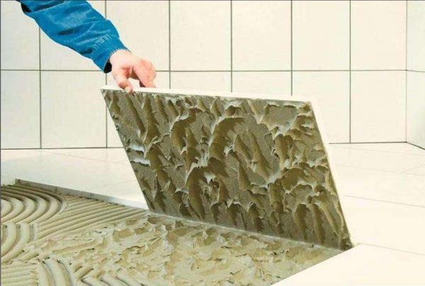 монтаж плитки в ванной комнате