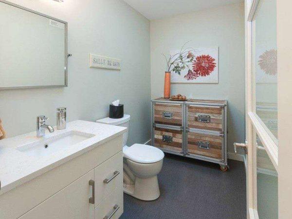 покраска в серый цвет стен в ванной