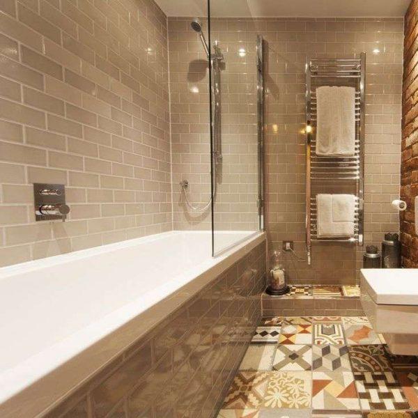 кирпичная кладка плитки в ванной комнате
