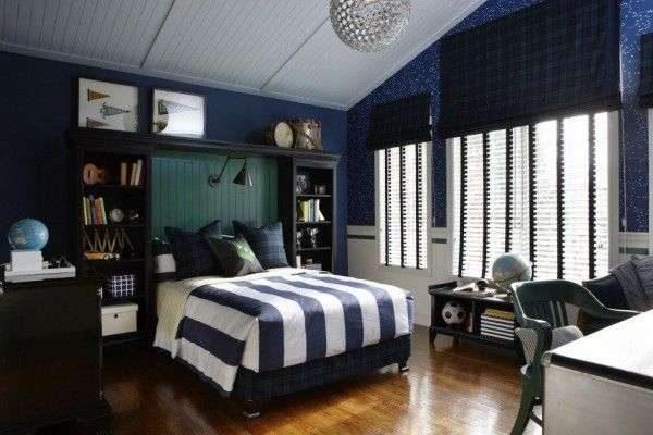 синие шторы в комнате мальчика
