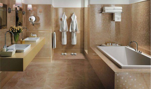 коричневая плитка в интерьере ванной комнаты