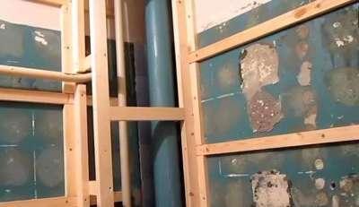 деревянная обрешётка под панели в ванной