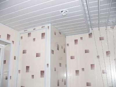 панели пвх в ванной на потолке и стенах