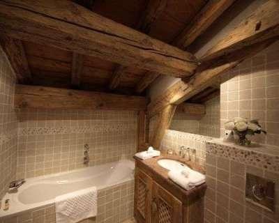 потолок в ванной в деревянном доме