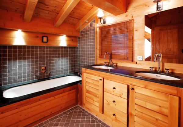 плитка в ванной деревянного дома