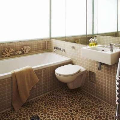 камень на полу в ванной комнате