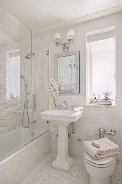 дизайн маленькой ванной с унитазом