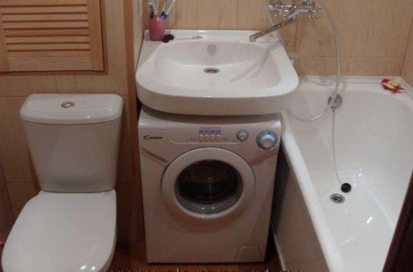 дизайн маленькой ванной, совмещённой с туалетом