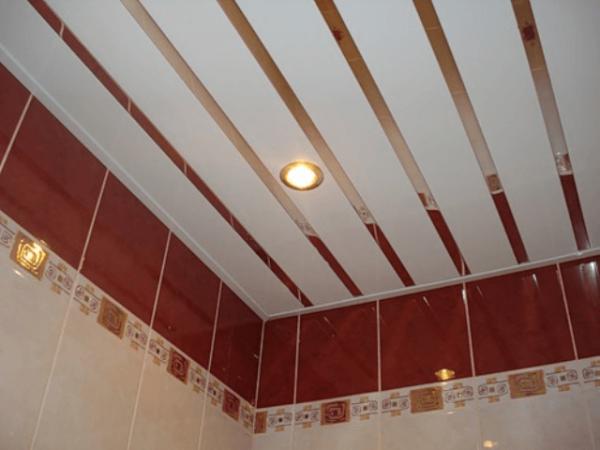 панели на потолке в ванной