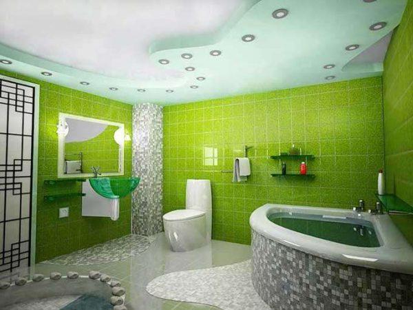 угловая ванна в ванной с туалетом