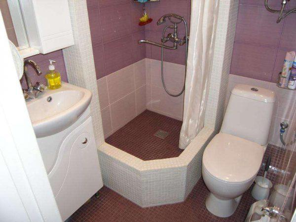 маленькая ванная совмещённая с уталетом