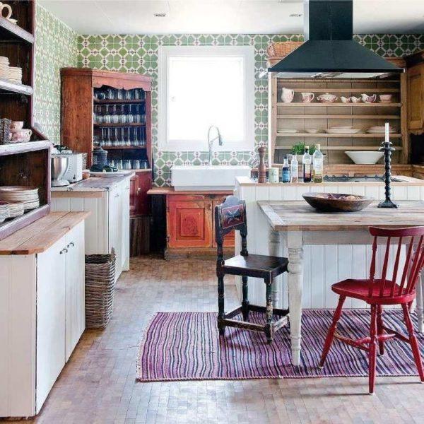 кафель на стенах кухни в стиле кантри