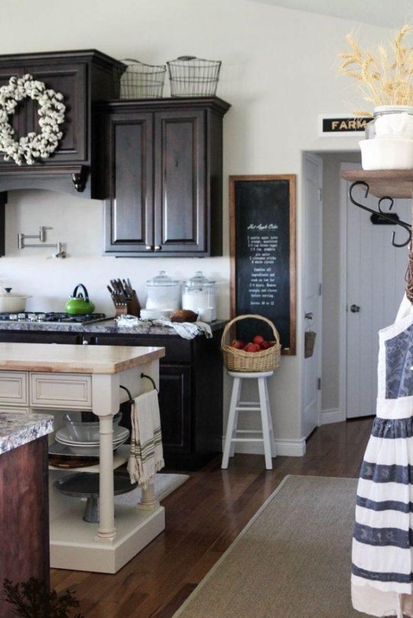 декор на кухне в деревенском стиле