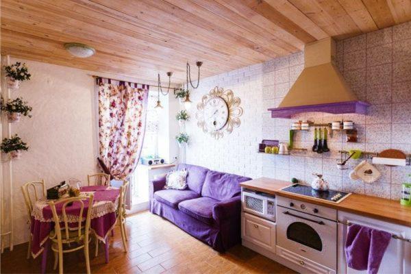 фиолетовая кухня в стиле кантри