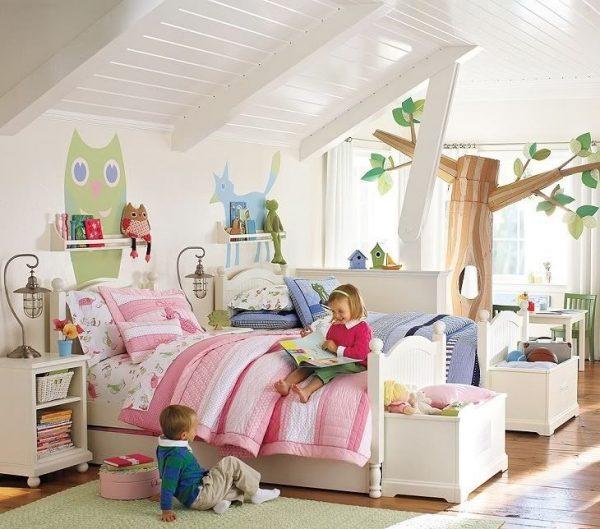 детская в мансардном помещении для двух детей