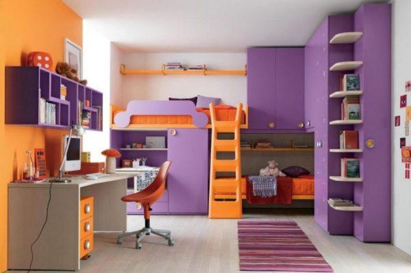 фиолетовый интерьер в детской для двоих