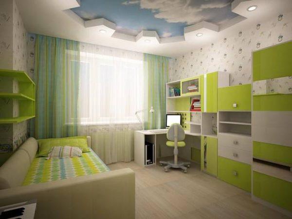 зелёная детская комната с потолком небом