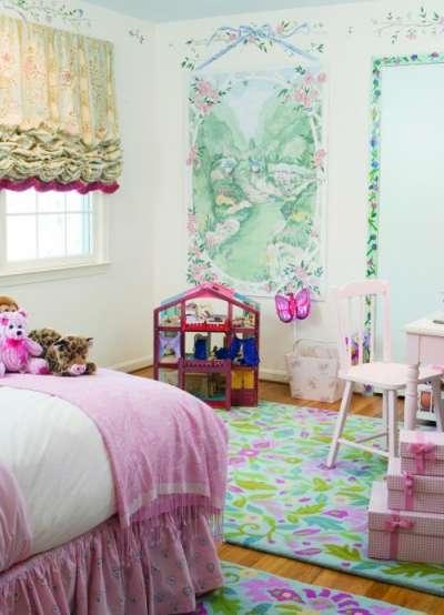 нежный интерьер детской комнаты