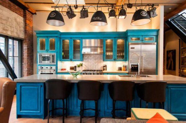 синий в интерьере лофт на кухне