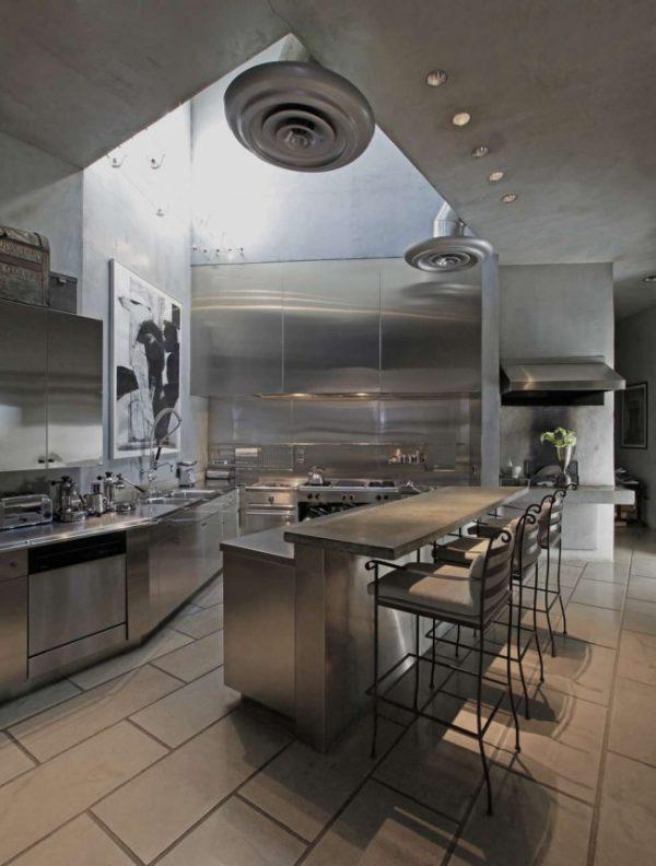 бетонный потолок на кухне в стиле лофт