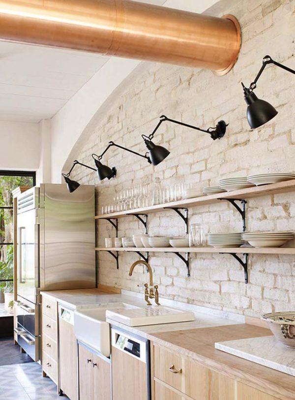 открытые полки на кухне в стиле лофт