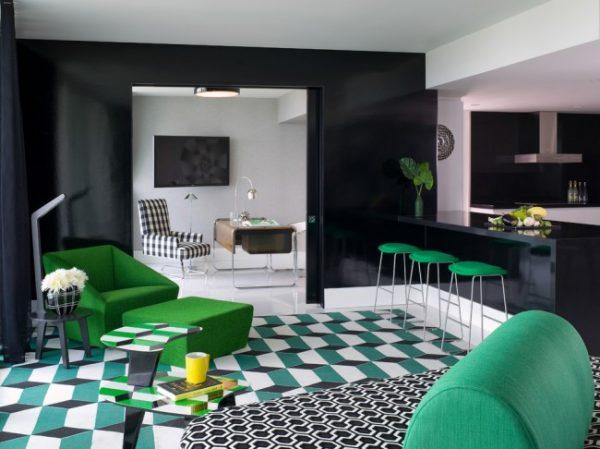 зелёная мебель в интерьере кухни студии
