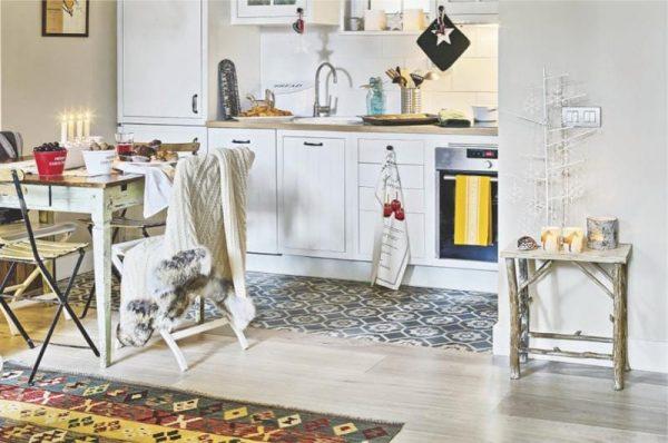 кафельная плитка в скандинавском стиле на полу