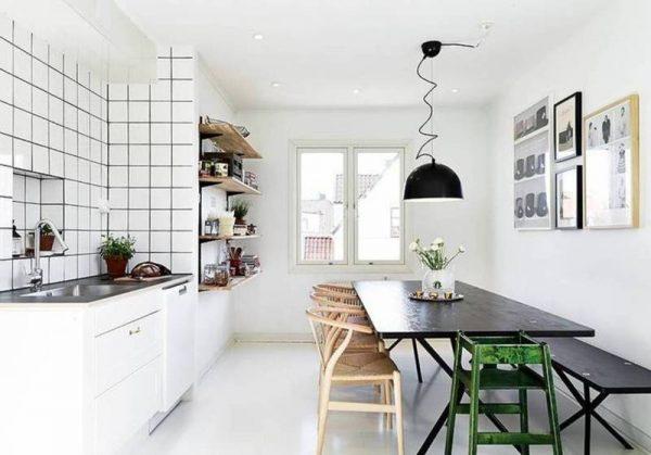 люстра в скандинавском стиле над столом