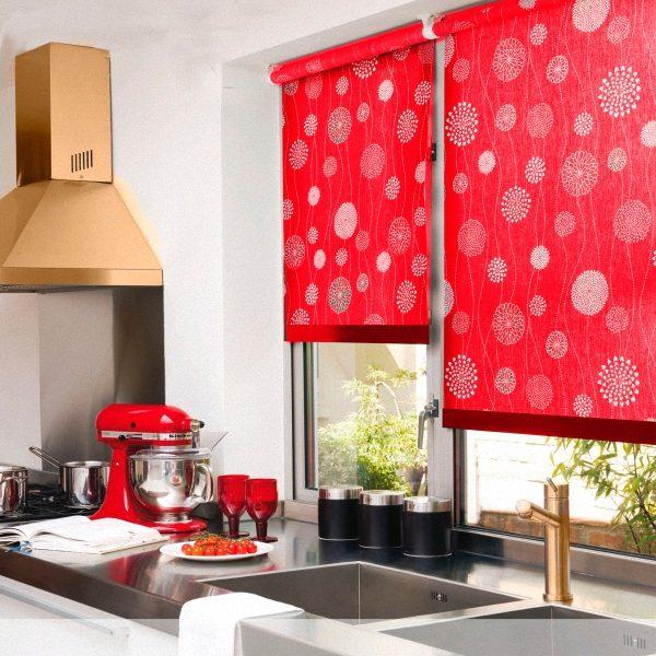 кухонные рулонные шторы яркие