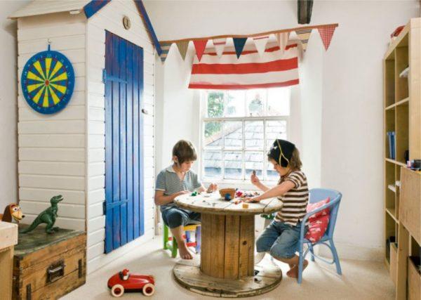 стол из старой бухты для детской в морском стиле